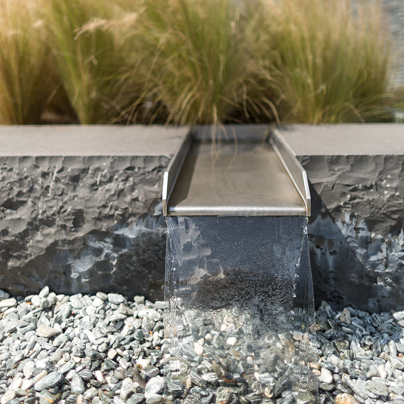 Brunnen aus Naturstein - IdeenGarten Düsseldorf